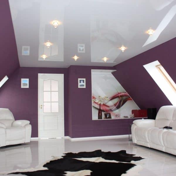 Глянцевые потолки на фото