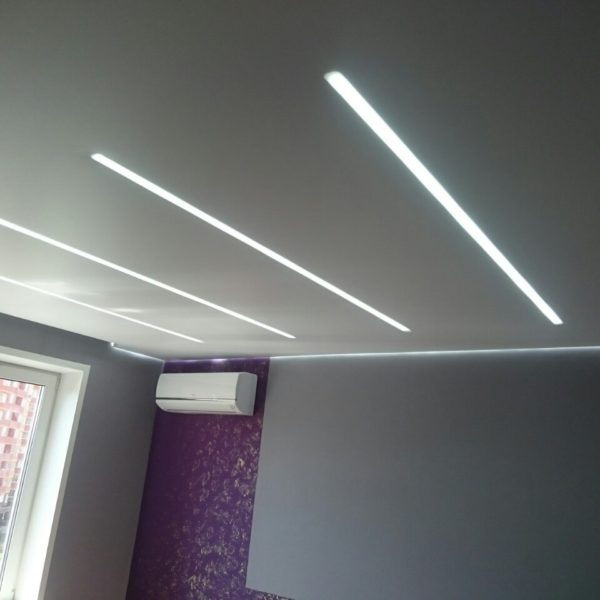 Купить натяжные потолки парящие линии